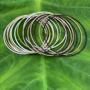 Jewelry - NWOT! Bangle Bracelet Set